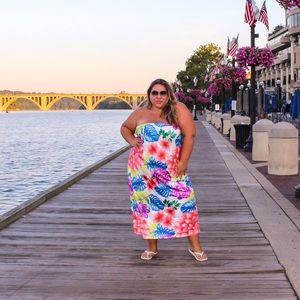 Dresses & Skirts - Mini strapless dress